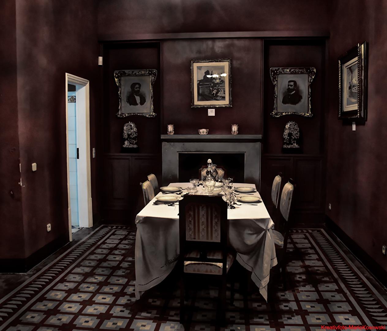 Der Tisch ist gedeckt, bitte Platz nehmen